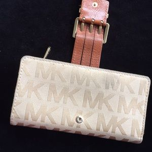Michael Kors wallet. Good used condition